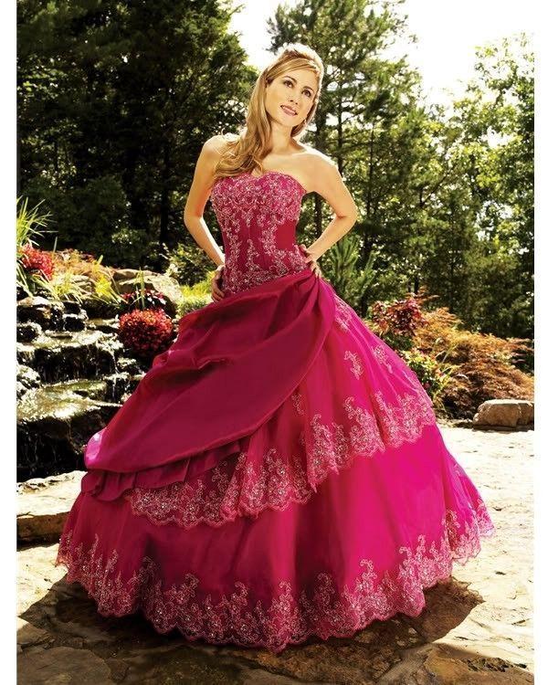 Robe de mariée ou princesse rose fushia