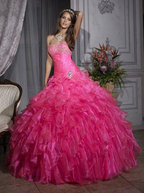 Robe de mariée ou de princesse rose fushia